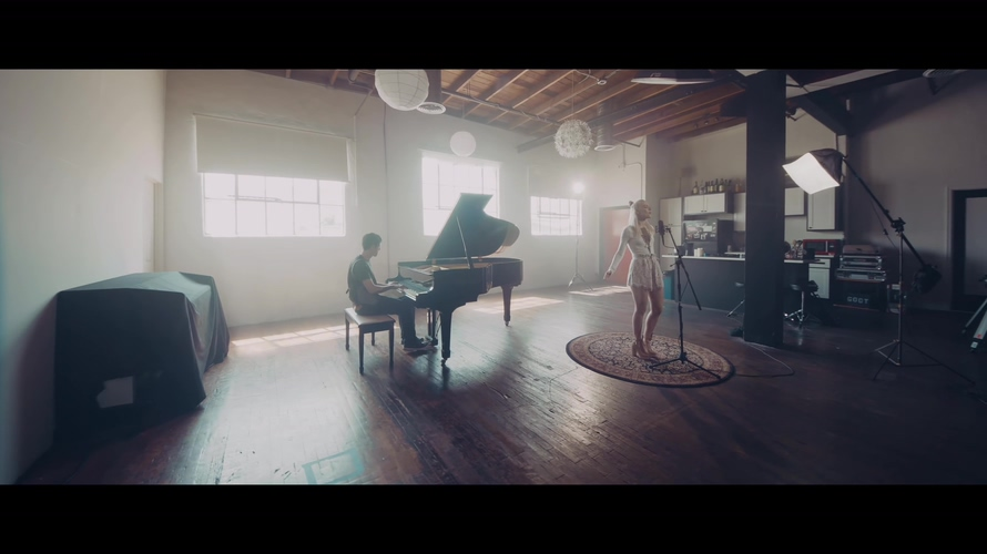 [4K] Madilyn Bailey - WISER (Piano Version)