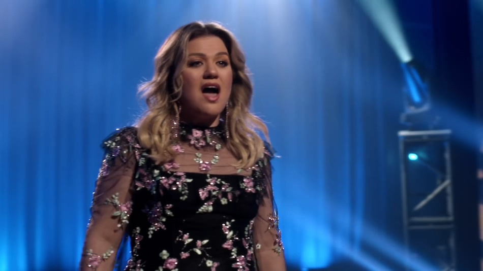 [1080P] Kelly Clarkson - Broken & Beautiful (Official Video)
