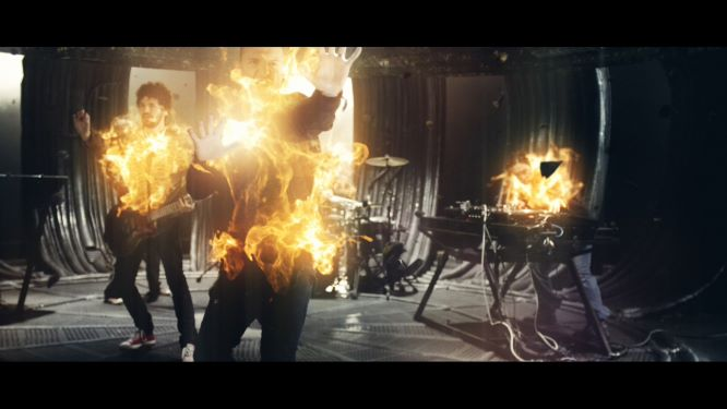 Linkin Park - Burn It Down (LPCM-Clean-Master-1080p).mov_20201016